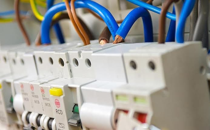 Four Things To Consider When Replacing A Consumer Unit
