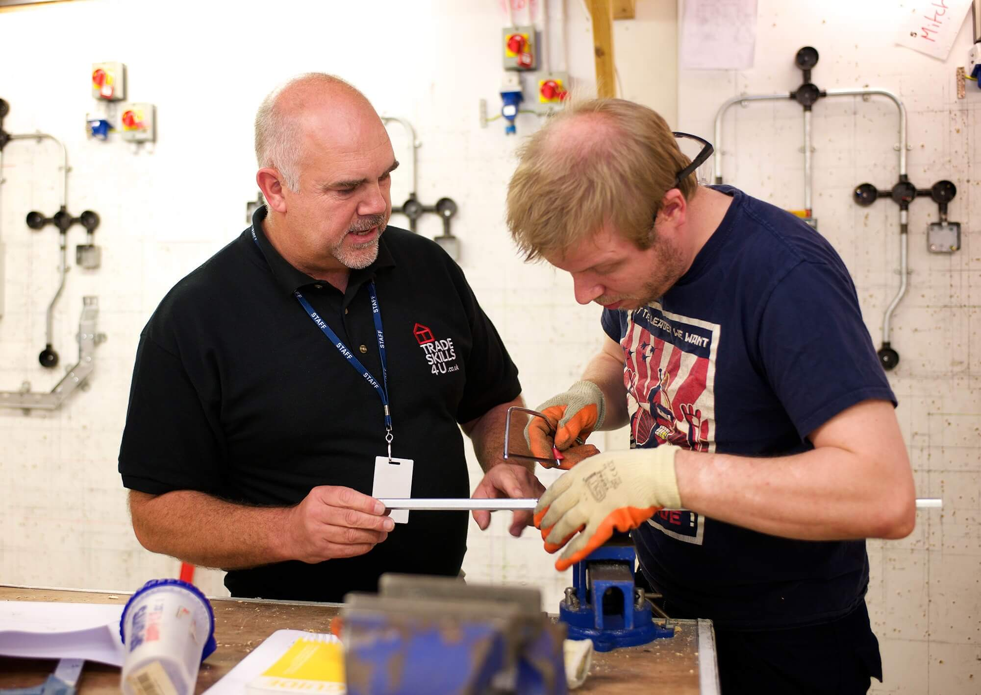 best way to become an electrician uk